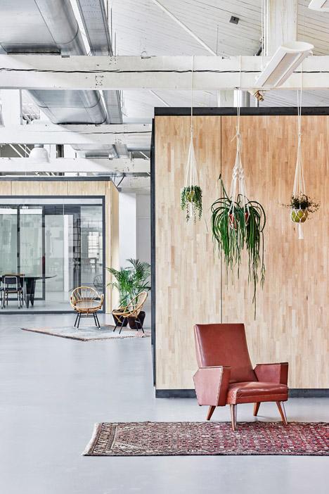 Fairphone-Head-Office_Amsterdam_Melinda-Delst_Photos-James-Stokes_dezeen_468_13