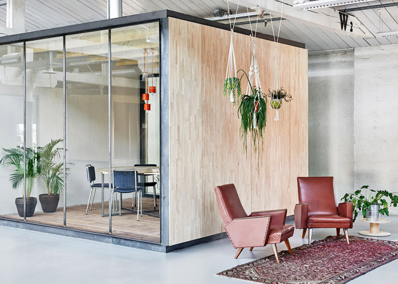 Fairphone-Head-Office_Amsterdam_Melinda-Delst_Photos-James-Stokes_dezeen_784_6