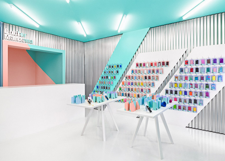 Doctor-Manzana-colourful-gadget-shop-interior-by-Masquespacio_dezeen_ss_3