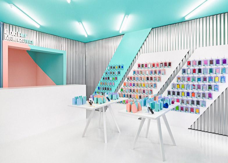 Doctor-Manzana-colourful-gadget-shop-interior-by-Masquespacio_dezeen_ss_3